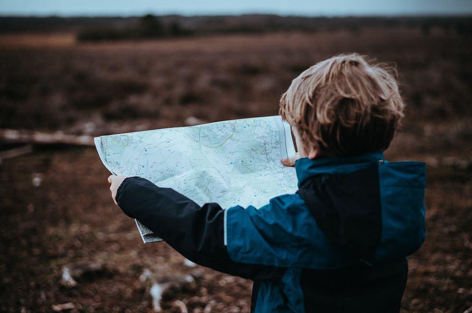 Saiba quais são os documentos necessários para viajar com crianças no Brasil e no Exterior