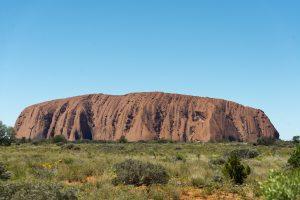 A polêmica em torno da Uluru Rock: por que a Austrália está vetando visitantes?