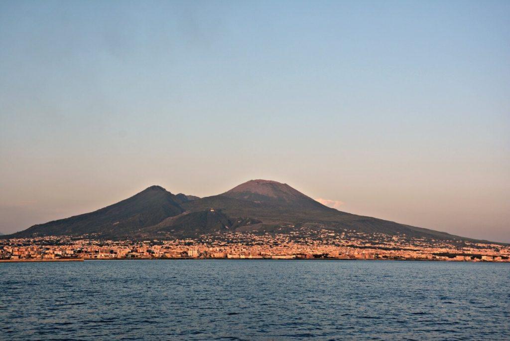 Vesúvio: como visitar e chegar até a cratera do vulcão