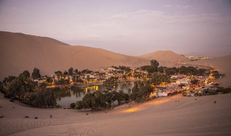 Huacachina: aventure-se pelo oásis no meio do deserto peruano