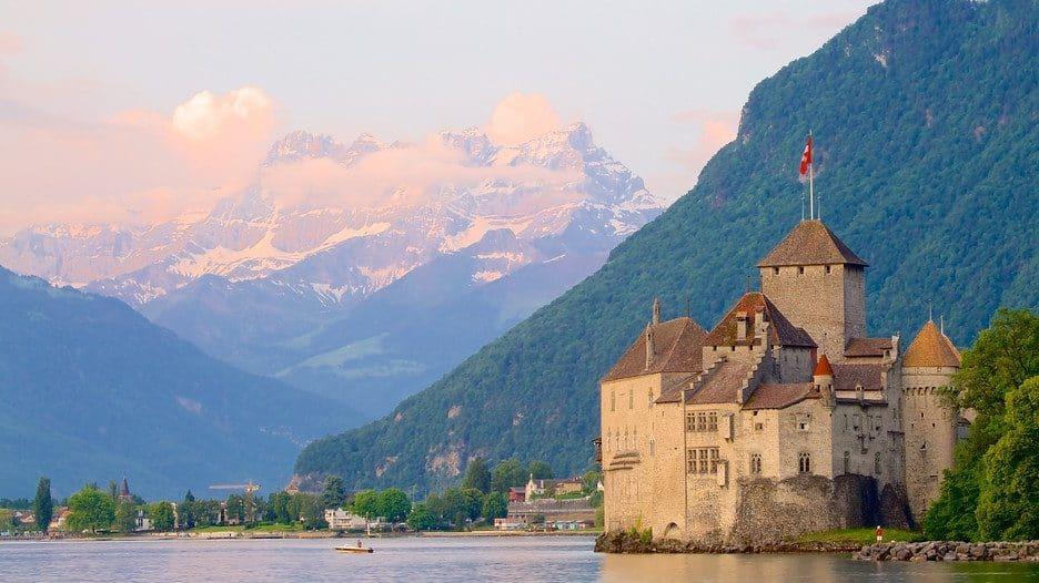 Descubra o Castelo de Chillon, edifício histórico mais visitado da Suíça