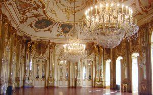 Encante-se com o Palácio de Queluz, antiga casa de veraneio da família de D. Pedro em Portugal