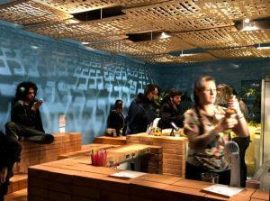 Bar tiki em Curitiba leva inspirações polinésias para osdrinks