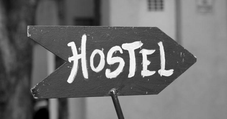 Ficar em hostel é seguro? Dicas para escolher um albergue sem perrengue