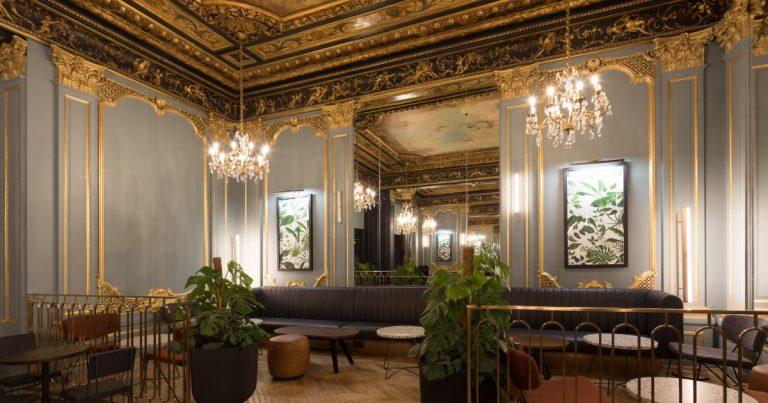 Loja Starbucks Boulevard des Capucines em Paris é a cara da riqueza