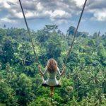 """Turistas se fascinam com balanços nas alturas e ninhos """"para humanos"""" em Bali"""