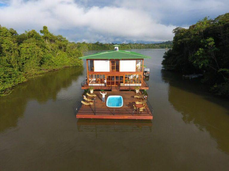 No Mato Grosso, uma pousada flutuante para chamar de sua