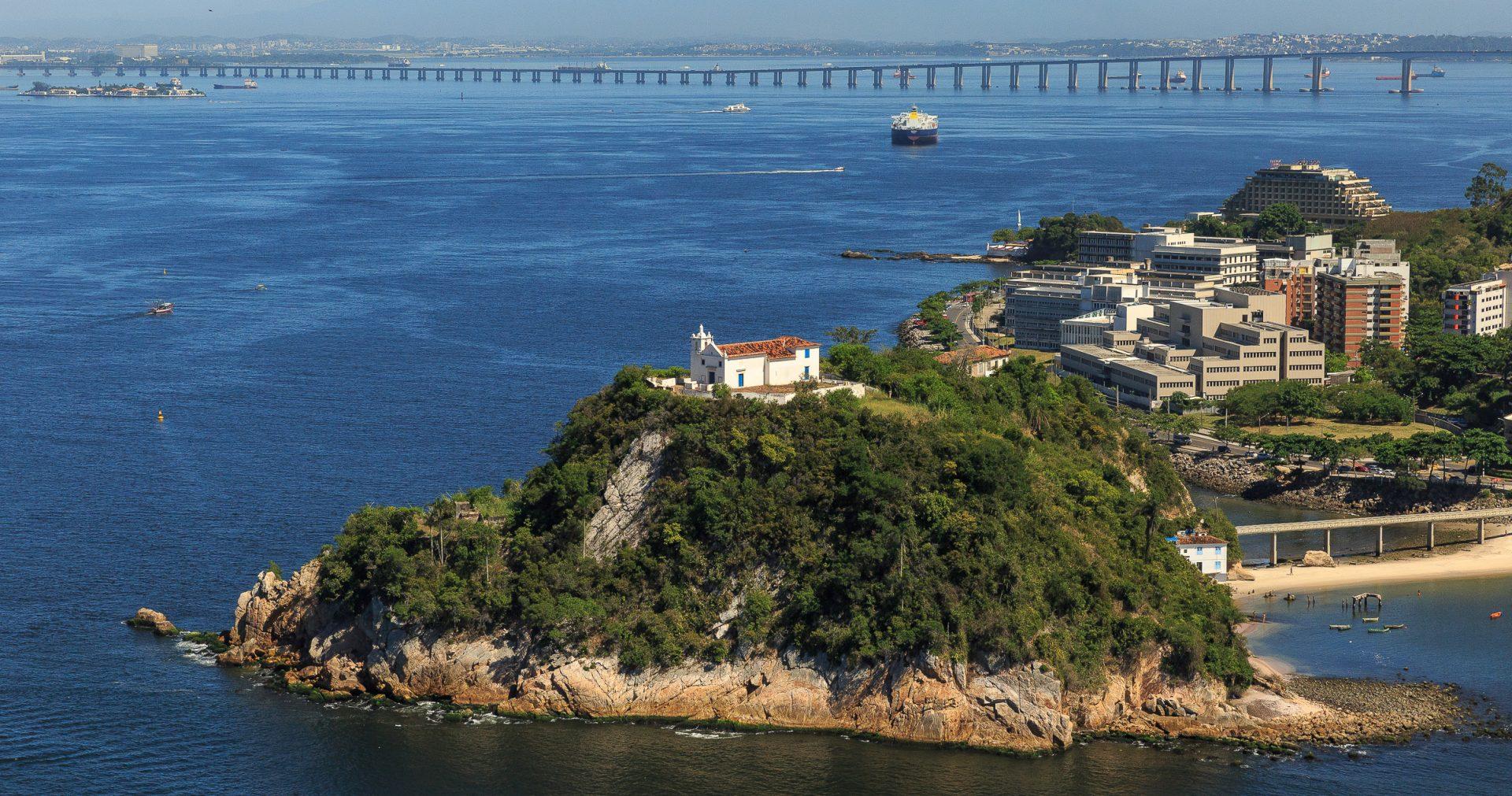 Ilha de Boa Viagem, em Niterói, reúne construções históricas e vistas deslumbrantes