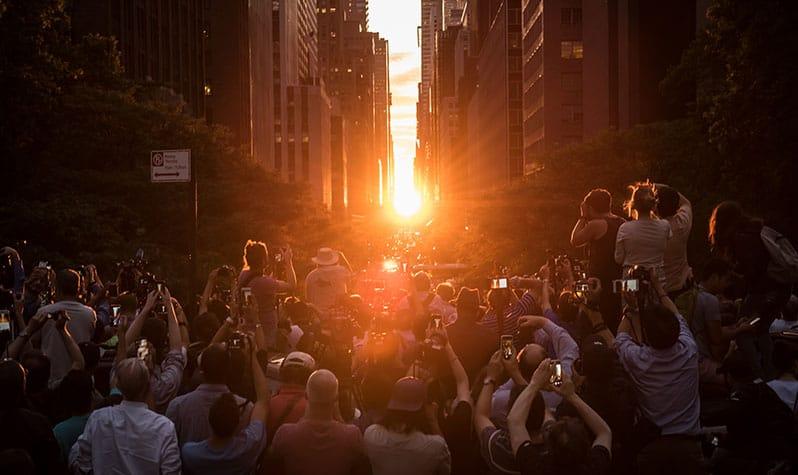 Manhattanhenge: o pôr do sol em Nova York virou uma febre na internet