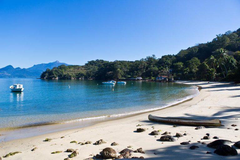 As 12 melhores praias de Angra dos Reis que você precisa conhecer