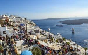 Santorini e Mykonos: de paraíso a pesadelo com o turismo em massa
