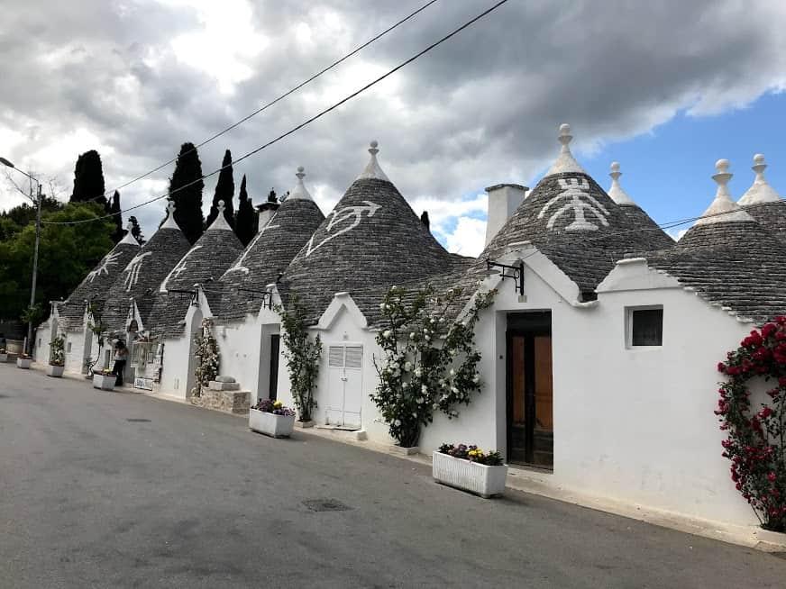 Conheça os encantos de Alberobello, a cidade dos trulli no sul da Itália