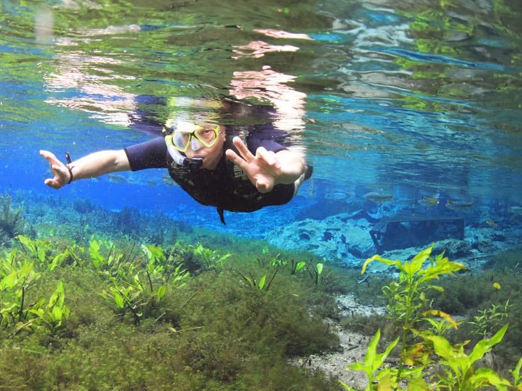 flutuação em bonito