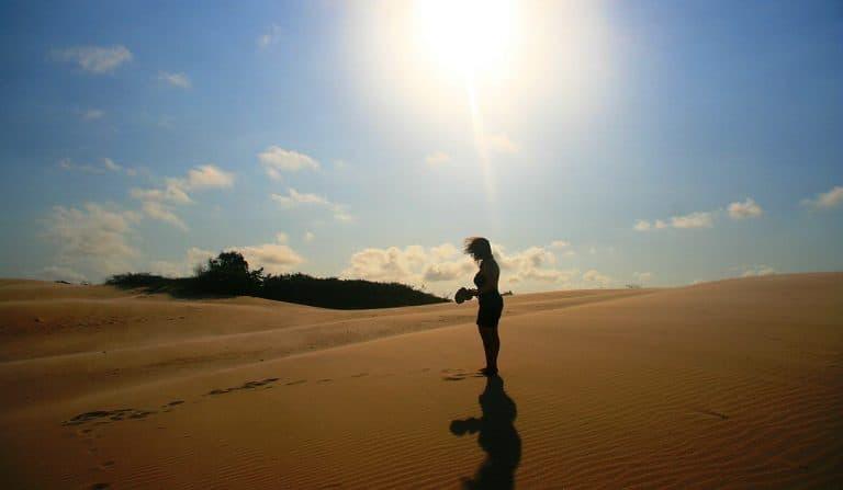 Descubra os encantos de Itaúnas, vilarejo com dunas, praias e tranquilidade