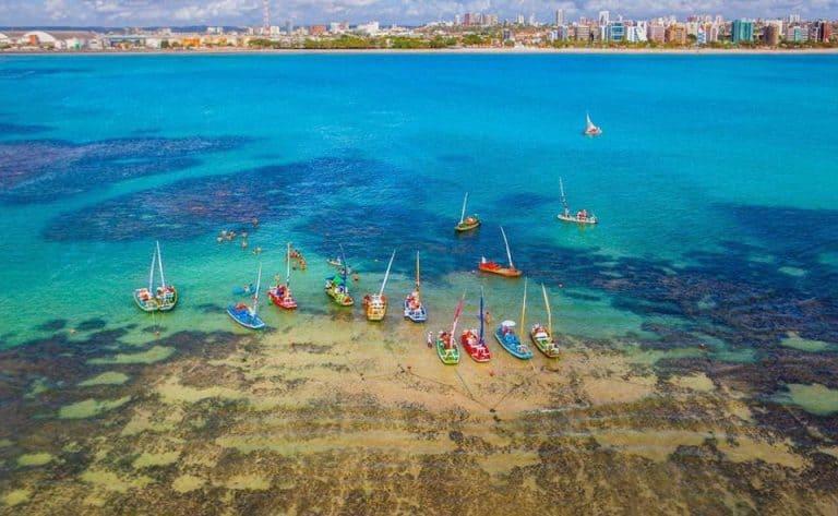 """Se jogue nas melhores praias de Maceió, o """"Caribe brasileiro"""" em Alagoas"""