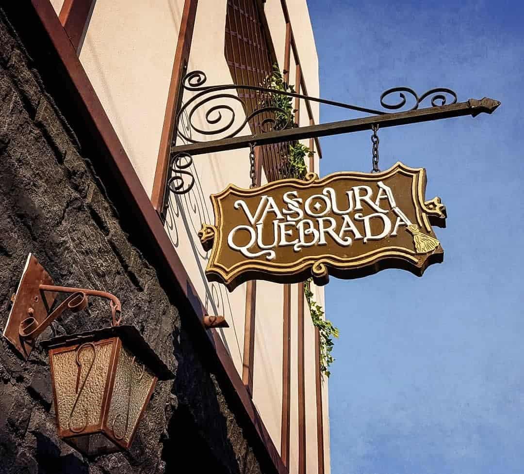 Vassoura Quebrada: hamburgueria em São Paulo especial para os fãs de histórias de magia