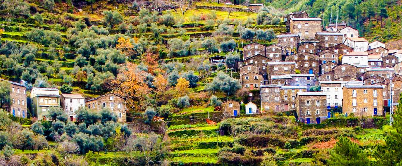 A encantadora e remota aldeia de Piódão, emPortugal