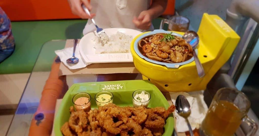 Boracay Toilet: restaurante nas Filipinas com temática de banheiro