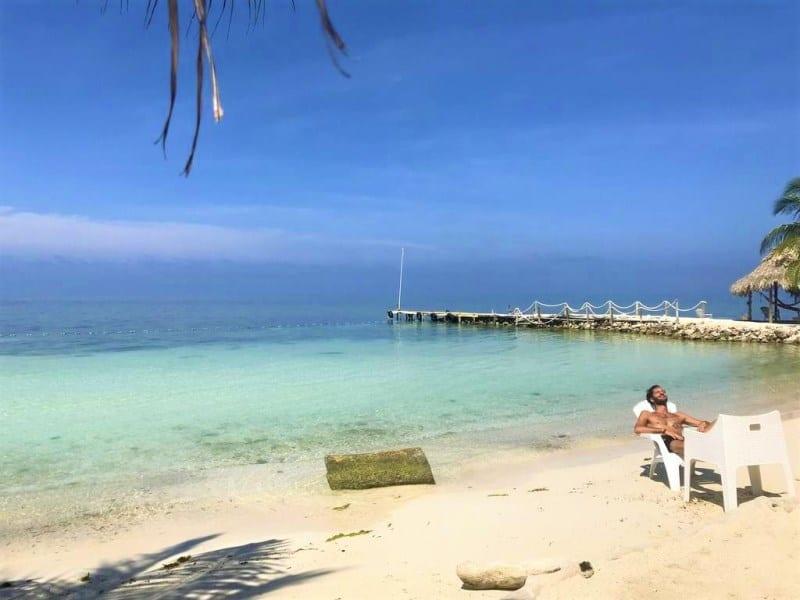 hostel em ilha paradisíaca