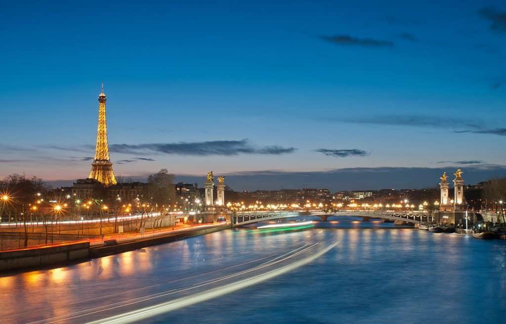 Os melhores lugares para tirar fotos da Torre Eiffel: garanta um click perfeito