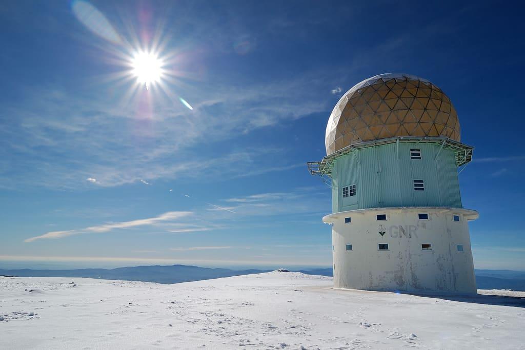 serra da estrela torre no inverno