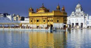 Templo Dourado na Índia: uma atmosfera única para meditar e orar