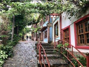 Mercado Vila Rica: empório ao ar livre em Belo Horizonte reúne delícias mineiras de várias regiões