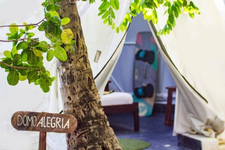 Casa na árvore, tenda e até Kombi: conheça 9 hospedagens diferentonas no Brasil