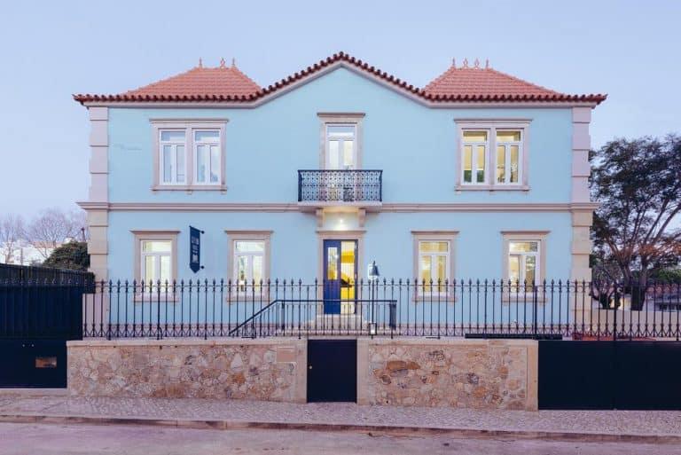 Vai para Cascais, em Portugal? Esse hostel perto da praia e com preços ótimos é perfeito para curtir a vila sofisticada