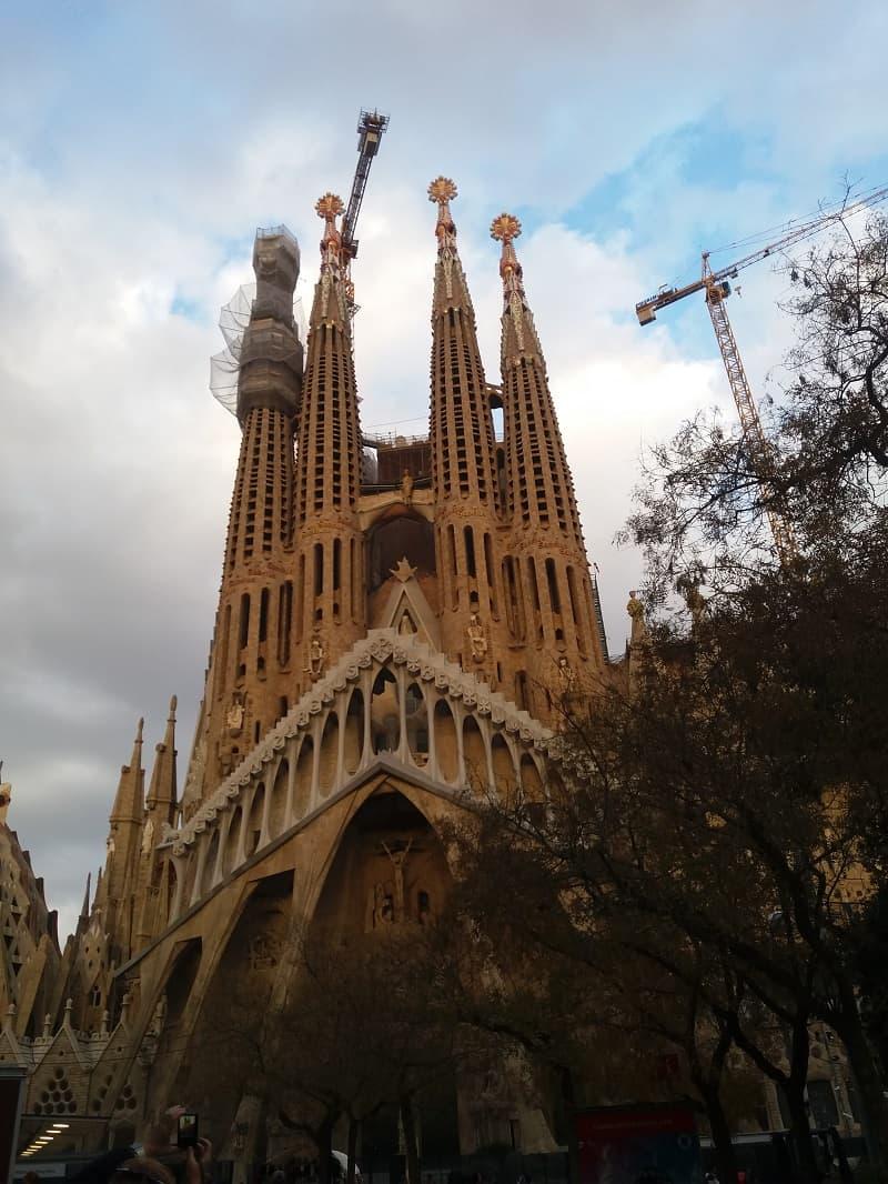 Barcelona está entre os melhores destinos para viajar em 2019. Na foto, a Sagrada Família.