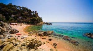 Verão na Espanha: 9 destinos de praia que você merece conhecer