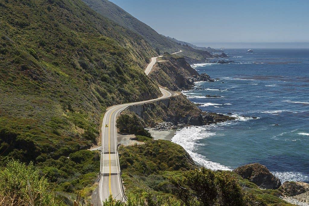 Que tal uma roadtrip pela Califórnia? Com lindas praias e até Disneyland, essa viagem promete ser inesquecível!