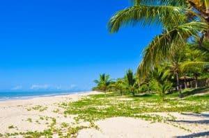 A Costa das Baleias é um pedaço do paraíso no extremo sul da Bahia