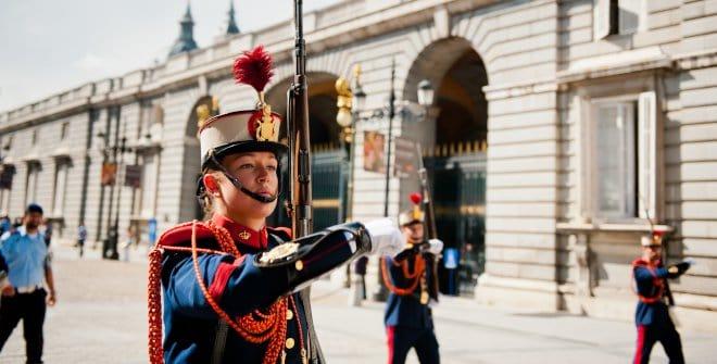 Troca da Guarda no Palácio Real de Madrid. Foto: Divulgação