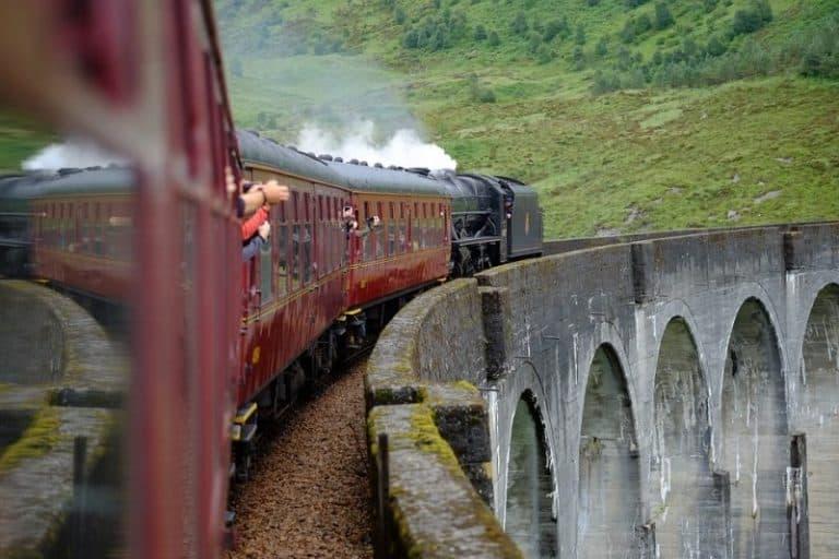 Trem do Harry Potter na Escócia: uma viagem que todo fã da saga precisa fazer