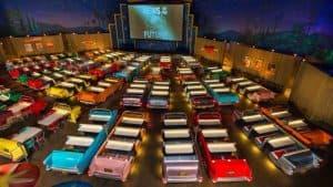 Sci-Fi Dine-In Theater: restaurante estilo drive-in que vale a pena conhecer na Disney