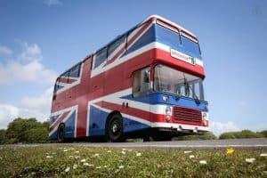 Que tal alugar o ônibus das Spice Girls para passar umanoite?