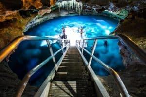 Orlando além de parques: conheça o cenote Devil's Den Prehistoric Spring