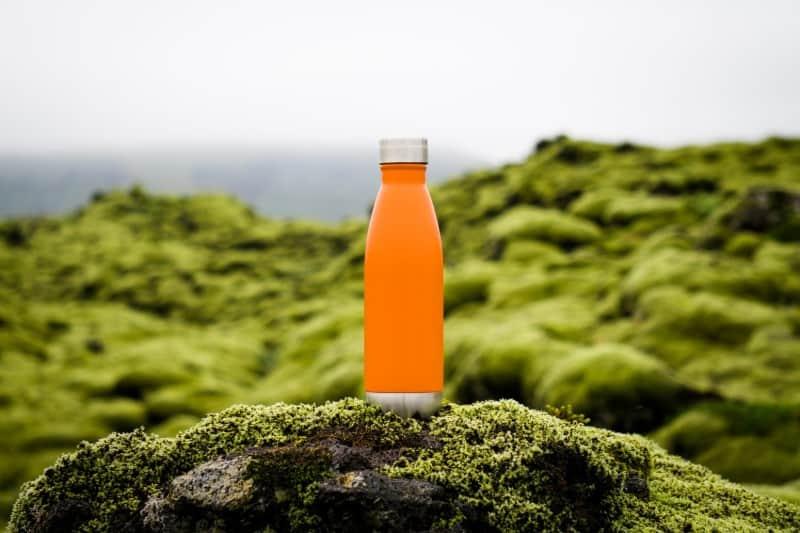 Produtos sustentáveis para viajantes: garrafinha reutilizável