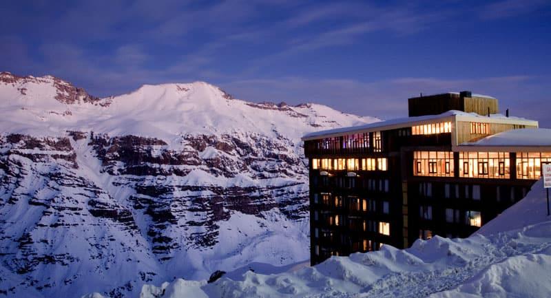 Conheça as opções de hospedagem do Valle Nevado, estação de esqui no Chile