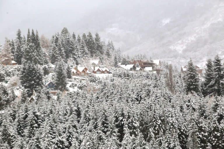 Bariloche já está toda pintada de branco com a primeira queda de neve de 2019