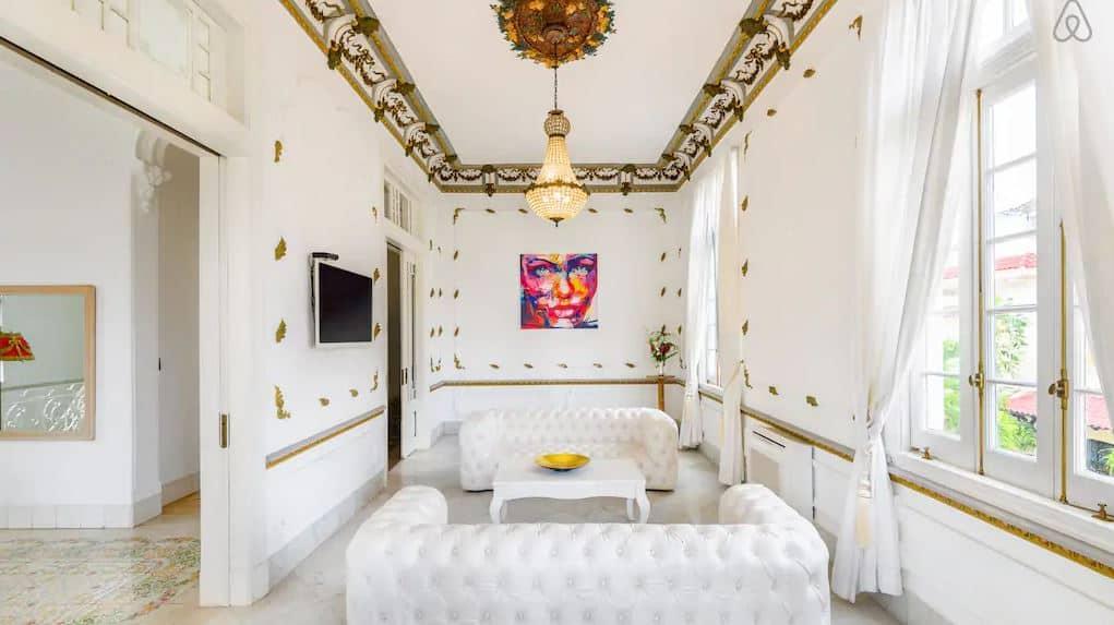 Quer dormir em um Palacete? Então se liga nesse Airbnb emHavana