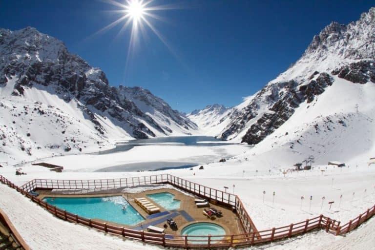 Estação de Esqui Portillo no Chile é charmosa e perfeita para aprender a esquiar