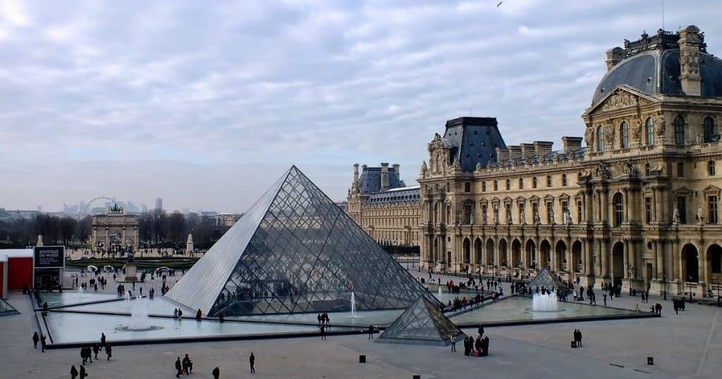 Guia do Louvre com dicas para visitar o maior museu do mundo