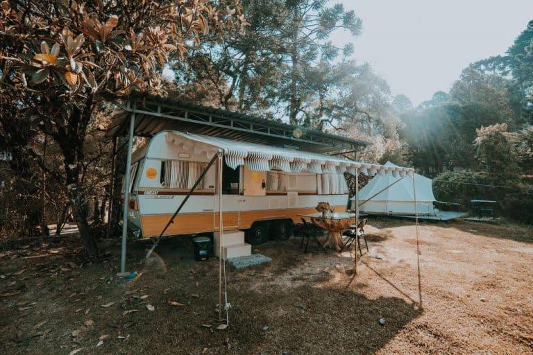 Glamping em Campos do Jordão tem aconchego em trailers e tendas