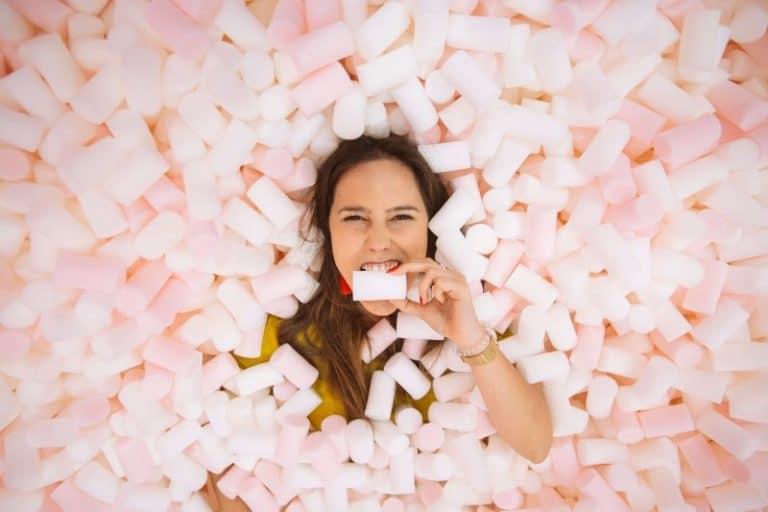 Museu Mais Doce do Mundo chega a São Paulo! Tem até piscina de marshmallows pra se jogar