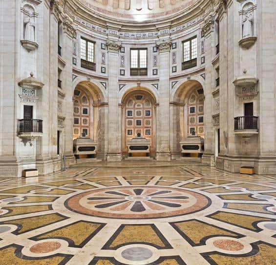 Arquitetura interior do Panteão Nacional de Lisboa.
