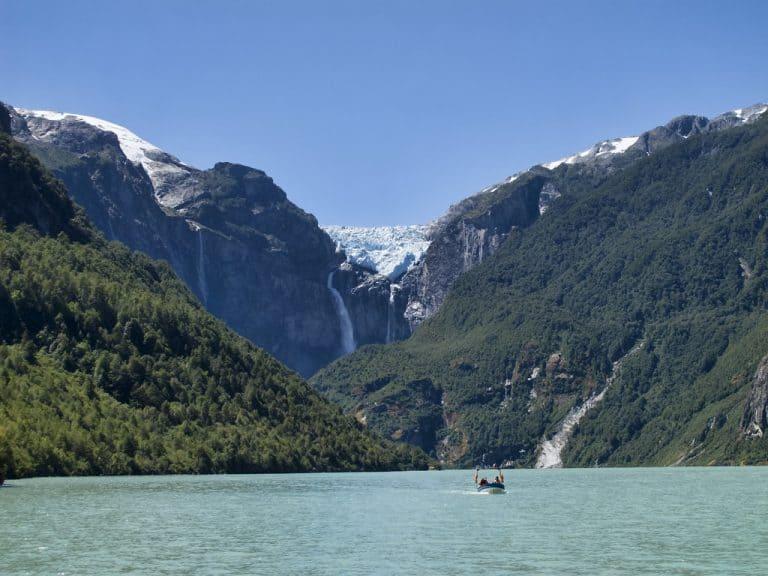 Parque Nacional Queulat e sua impressionante geleira suspensa no Chile