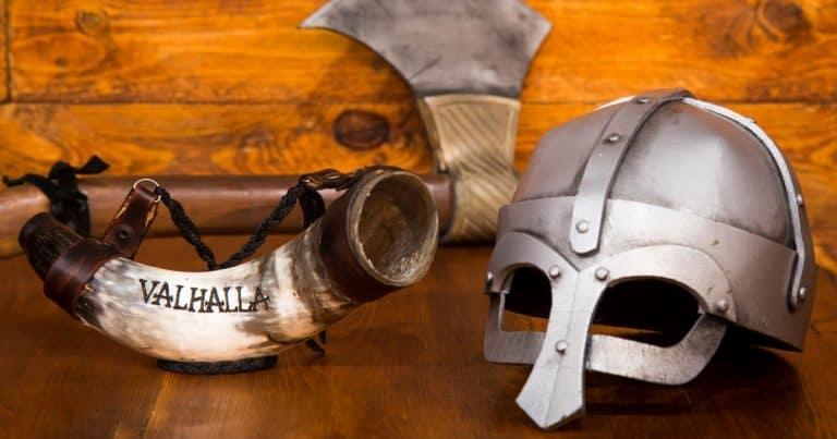Buenos Aires tem bar com temática viking que serve drinks em chifres