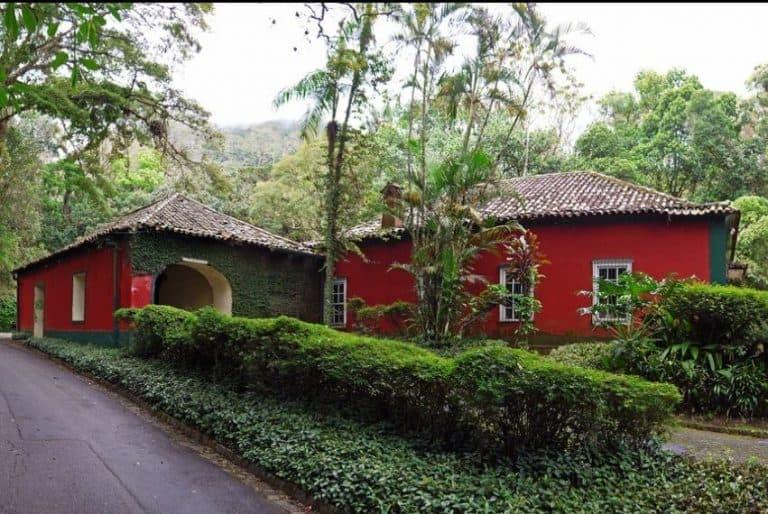 Os Esquilos: charmoso e histórico restaurante na Floresta da Tijuca (RJ)
